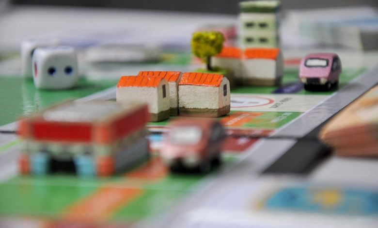 Photo of How Monopoly Celebrated the Death of Middle Class Families